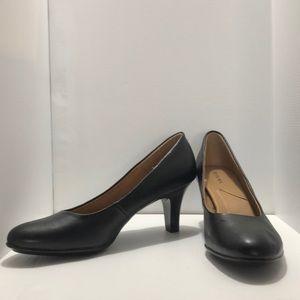 Brand new Merona black heels, size 11